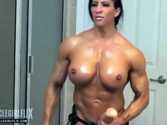 Huge Female Bodybuilder Biggest Cock
